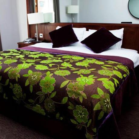 Camden Court Hotel room
